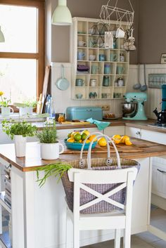 Minty House Photo, minty, kitchen, kitchen in Minty House, lemon, Kitchen Aid, home garden, Spring in the air