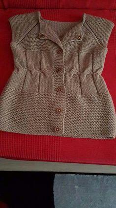 belden-ornekli-farkli-bebek-orgusu See other ideas and pictures from the category menu…. Baby Sweater Knitting Pattern, Baby Knitting Patterns, Knitting Designs, Diy Crochet Halter Top, Crochet Shirt, Pullover Design, Sweater Design, Hdc Crochet, Crochet Baby