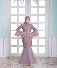 15 Ideas Dress Brokat Duyung For 2019 Dress Brukat, Kebaya Dress, Dress Pesta, Muslimah Wedding Dress, Muslim Wedding Dresses, Muslim Dress, Hijab Evening Dress, Hijab Dress Party, Trendy Dresses