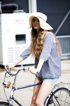"""""""modcloth:  Berlin bike style, as captured by Glamcanyon   """" 