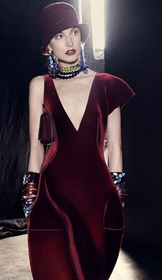 Emporio Armani, fall 2013. ...I'd tear off other shoulder ;) other than that...perfecto! ;) especially the color!