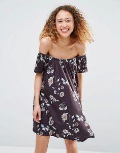 Pin for Later: Succomberez-Vous aux Robes Boho à Épaules Dénudées?  Asos Robe d'été à épaules dénudées et imprimé fleuri - Multi (31€)