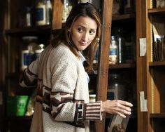 It seems that NBC likes its Grimm foxy: Bree Turner, who plays spice shop proprietress and Fuchsbau Rosalee, has been bumped from recurring guest star to series regular, TVLine has learned exclusively. Grimm Tv Series, Grimm Tv Show, Grimm Season 2, Rosalee Calvert, Bree Turner, Nick Burkhardt, David Giuntoli, Tv Show Casting, Tv Episodes