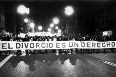 Una España más abierta. Derechos, como el del divorcio, el aborto o el matrimonio igualitario han marcado el camino. María R. Sahuquillo | El País, 2015-11-20 http://politica.elpais.com/politica/2015/10/29/actualidad/1446140773_345729.html