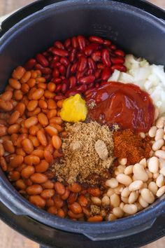 Instant Pot Brown Sugar Baked Beans Instant Pot Brown Sugar Baked Beans are a quick and easy summer side dish thanks to the instant pot with all the hearty, filling, baked bean flavors you love. Crockpot Baked Beans, Canned Baked Beans, Crock Pot Beans, Baked Beans With Bacon, Homemade Baked Beans, Homemade Sauce, Homemade Breads, Crock Pot Recipes, Baked Bean Recipes