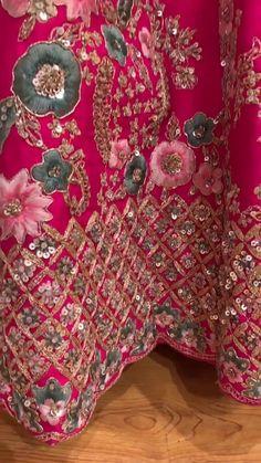 Indian Bridal Photos, Indian Bridal Outfits, Indian Bridal Wear, Wedding Lehenga Designs, Designer Bridal Lehenga, Beautiful Dress Designs, Stylish Dress Designs, Bridal Suits Punjabi, Indian Dresses Traditional
