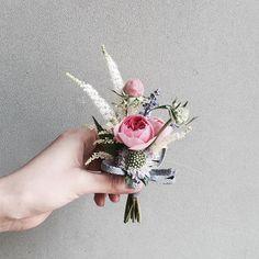 Lesson Order Katalk ID vaness52 E-mail vanessflower@naver.com . #vanessflower #vaness #flower #florist #flowershop #handtied #flowergram #flowerlesson #flowerclass #바네스 #플라워 #바네스플라워 #플라워카페 #플로리스트 #꽃다발 #부케 #원데이클래스 #플로리스트학원 #화훼장식기능사 #플라워레슨 #플라워아카데미 #꽃수업 #꽃주문 #부케 #花 #花艺师 #花卉研究者 #花店 #花艺 . . #부토니어 #코사지 . . 귀요미