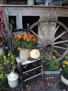 Prim Fall Vignette... Outdoor Projects, Garden Projects, Outdoor Decor, Outdoor Ideas, Rustic Gardens, Outdoor Gardens, Garden Junk, Primitive Fall, Porch Decorating