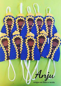 Marcador de Página em Feltro. Marcador de Página de Santinhas. Molde Marcador de Página. Bookmark Felt. Santinhas em Feltro. Nossa Senhora Feltro. Molde Nossa Senhora. Quilling, Embroidery Designs, Santa, Knitting, Sewing, Crochet, Diy, Crafts, Sites