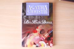 Agatha Christie' s Book in Turkish : Beş Küçük Domuz - Five Little Pigs - Murder in Retrospect (1942) - Hercule Poirot