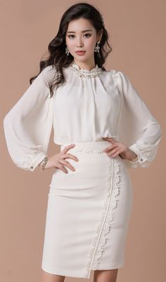 StyleOnme_Lace Trim Asymmetrical Hem Pencil Skirt #ivory #lace #feminine #skirt #koreanfashion #kstyle #kfashion #springtrend #seoul #dailylook Curvy Outfits, Classy Outfits, Chic Outfits, Hijab Fashion, Korean Fashion, Fashion Dresses, K Fashion, Bluse Outfit, Pencil Skirt Outfits