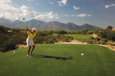 Sun City Oro Valley surrounds The Views Golf Club, a semi-private course offering daily play, pre-paid punch cards, monthly passes and annual passes.