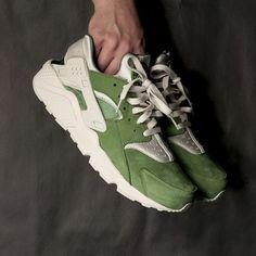 Nike Air Huarache Run PRM (Treeline/Light Bone) $120