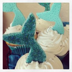 Mermaid cupcakes made with fondant and edible glitter