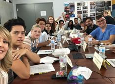 'Riverdale' Cast Honors Luke Perry During First Table Read For Season - Dolcify Celeb Highlights Riverdale Set, Riverdale Poster, Riverdale Memes, Riverdale Funny, Vanessa Morgan, Luke Perry, Dylan Sprouse, Madelaine Petsch, Betty Cooper