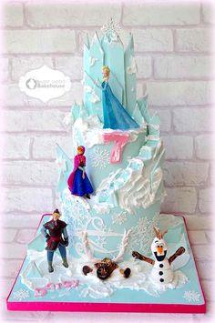 Beautiful Frozen cake - Perfect for Birthday and cakes Bolo Frozen, Torte Frozen, Frozen Party Cake, Disney Frozen Cake, Frozen Birthday Cake, Disney Cakes, Party Cakes, Ana Frozen, Birthday Cakes