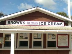Brown's Old Fashioned Ice Cream In York, Maine