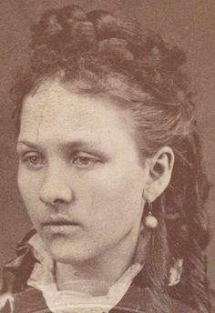 Zee Mimms - Jesse James wife at the time of his death in 1882 Jesse James Wife, Jesse James Outlaw, Gangsters, History Photos, History Facts, Strange History, Asian History, Jessy James, Old West Outlaws