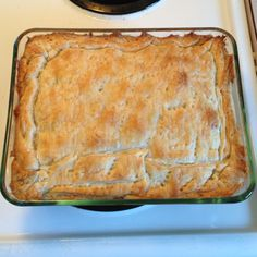 Turkey pot pie casserole:Take some leftover turkey or chicken, and some other great wholesome ingredients, and VOILA! Leftover Turkey Recipes, Leftovers Recipes, Homemade Chicken Pot Pie, Cooking Turkey, Dinner Dishes, No Cook Meals, Cooking Recipes, Favorite Recipes, Thanksgiving Ideas