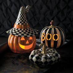 BOO Illuminated Pumpkin image one Halloween Pumpkins, Fall Halloween, Halloween Projects, Halloween Ideas, Halloween Kitchen, Halloween Tricks, Halloween Images, Cute Pumpkin, Pumpkin Ideas