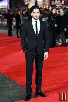 Kit Harrington at the London premier of The Testament of Youth. Have to agree with T. Lo: the fit is perfect. :)