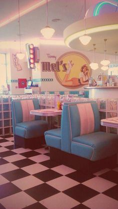 fuckyeahvintage-retro: Diner der Jahre © Niamh Wilson (ich bin so retro) . - fuckyeahvintage-retro: Diner der Jahre © Niamh Wilson (ich bin so retro) Check more a - Bedroom Wall Collage, Photo Wall Collage, Picture Wall, Wall Art, 1950s Diner, Vintage Accessoires, Retro Vintage, Vintage Vibes, Vintage Food