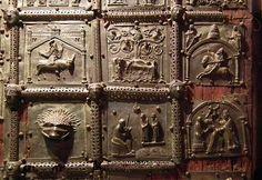 Basilica di San Zeno, bronze door
