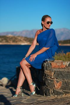 blue asymmetric dress - from Crete / metallic heels - Forever 21 / metallic box clutch - C&A / earrings - vintage / sunglasses - H&M / bracelets - Ti Sento, Thomas Sabo, Swarovski