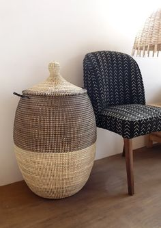Laundry Basket (XL) in duo color / Black x Ivory / Laundry Hamper / Chic / Africa / Storage Shabby Chic Interiors, Shabby Chic Homes, Shabby Chic Style, Shabby Chic Decor, Rustic Style, Large Laundry Basket, Laundry Hamper, Laundry Rooms, Interior Design Themes
