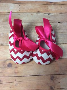 Baby Ballerina Slippers in Hot Pink Chevron - Baby Shoes - Newborn Shoes - Crib Shoes