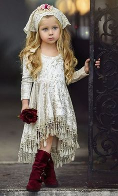 VOGUE ENFANTS: Must Have of the Day: Dollcake most popular design is back and better than ever! Little Girl Fashion, Little Girl Dresses, Kids Fashion, Flower Girl Dresses, Trendy Fashion, Flower Girls, Fashion Design, Vogue Fashion, Latest Fashion