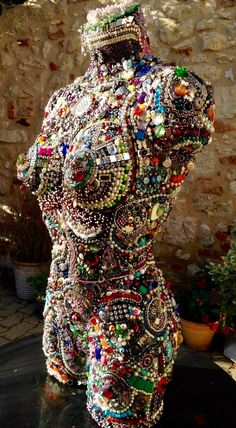 remake remodel The post remake remodel appeared first on Werth. Mannequin Torso, Mannequin Heads, Jewelry Crafts, Jewelry Art, Junk Art, Assemblage Art, Dress Form, Mosaic Art, Bead Art