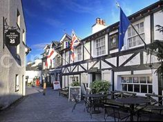 The Queen's Head at Hawkshead, Cumbria, England. You must have the King Henry roast! English Village, Hidden Places, Interesting Buildings, I Want To Travel, Cumbria, England Uk, Out Of This World, Lake District, British Isles