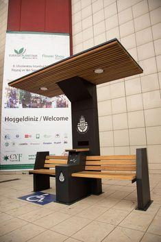 Solar Bench on Behance Bench Furniture, Urban Furniture, City Furniture, Street Furniture, Metal Furniture, Furniture Design, Concrete Furniture, Muebles Estilo Art Nouveau, Bus Stop Design
