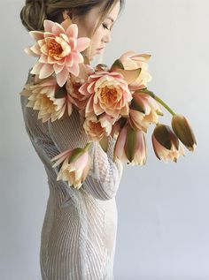 11 Single Variety Bouquets | Wedding Flowers Inspiration | HOORAY! Mag