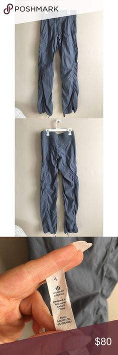 Lululemon gray blue jogger yoga track pants 4 (❁´◡`❁) ωḙℓḉ✺Պḙ (❁´◡`❁)   Description:  •Gorgeous Steele blue color •Adjustable tie hems   •Very slouchy and comfy lounge style    ❤️   Brand: Lululemon   Size: 4   Condition: Excellent shape. Worn once.   (please refer to all photos Don't hesitate to ask ANY and ALL question before Bidding/Buying)  Ask about combined shipping and discounts! lululemon athletica Pants Track Pants & Joggers