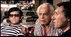 PAULO GRACINDO - FOTO - 00025 - o casarão - novela de LAURO CESAR MUNIZ - 1976 - exibida e produzida pela Rede Globo - cena do primeiro capitulo - joão Maciel aposta com os amigos que é capaz de subir no chafariz da praça da bandeira [Francisco Milani e pietro mario]