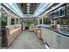 2020 Foretravel RV Iron Luxury Villa 2 for Sale in Alvarado, TX 76009 Texas Rv Parks, Fleetwood Discovery, Forest River, Small Island, Ih, Photos For Sale, Luxury Villa, Light Colors, Horses