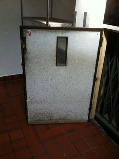 ASBESTOS BOARD TO LIFT DOOR