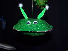 This fun and simple paper plate alien spaceship craft would grab every kids' attention. Cool Space Crafts for Kids, http://hative.com/cool-space-crafts-for-kids/,