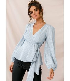 Shop the Macy Fit and Flare Wrap Top Blue only at Selfie Leslie! So in love with our Macy top Casual Skirt Outfits, Chic Outfits, Fashion Outfits, Trendy Clothes For Women, Blouses For Women, Stylish Tops For Women, Sewing Clothes Women, Dressy Tops, Blouse Outfit