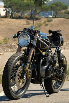 Old And New http://goodhal.blogspot.com/2013/04/nice-bike-015.html #CafeRacer #Motorcycle #NiceBike