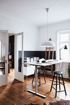 Nytt Og Gammelt I Atelieret Half Painted Walls, Minimalist Home, Home Office  Design,