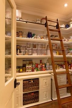 53 Mind-blowing kitchen pantry design ideas I like having a permanent ladder instead of a stool that the kids can snitch and hide in some unknown corner of the house. 53 Mind-blowing kitchen pantry design ideas - Experience Of Pantrys Pantry Room, Pantry Closet, Pantry Storage, Walk In Pantry, Kitchen Storage, Kitchen Organization, Organization Ideas, Organized Kitchen, Storage Room