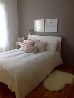 Girl bedroom gold white blush