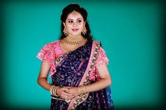 Naan Iruvar Namakku Iruvar Actress the Gorgeous Rakshaholla Saree Draping Styles, Saree Styles, Saree Blouse Patterns, Saree Blouse Designs, Summer Wedding Menswear, Reception Sarees, Saree Hairstyles, Saree Gown, Indian Wedding Hairstyles