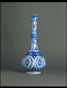 Bottle      Place of origin:      Iznik, Turkey (probably, made)     Date:      1535-1540 (made)