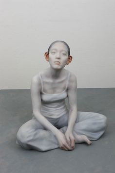 Korean artist Choi Xooang (whom we previously featured here) creates hyperreal, resin sculptures that shock with their unexpected, violent manipulations of the human body.  http://hifructose.com/2014/11/11/recent-nightmarishly-hyperreal-sculptures-by-choi-xooang/
