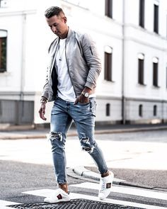 Yes or No? Follow @mensfashion_guide for more! By @wowa_valentino #mensfashion_guide #mensguides