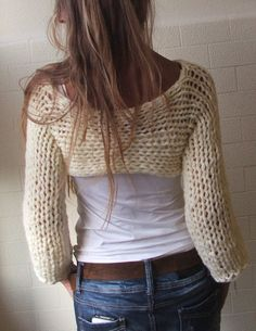 Ivory Isle Chunky bamboo mix shrug/ cropped sweater / por ileaiye